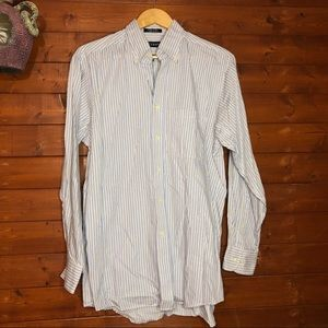 CHAPS Button Up Striped shirt  Classic Fit Twill